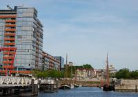 Germaniahafen mit Bürogebäude