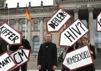 Kritik an der Vorratsdatenspeicherung vor dem Reichstag