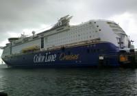 ColorLine Fähre im Hafen Kiel