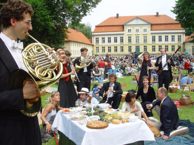 Bläserquintett beim Musikfest Emkendorf. Copyright: Dirk Hourticolon / SHMF